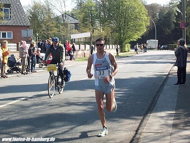 Olympus-Marathon 2005: Martin Beckmann bei km 33